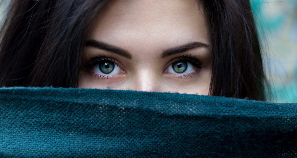 Woman Eyes - Find out what limiting stories are holding you back