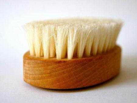 Dry Brush - Benefits of Dry Brushing for Busy Moms