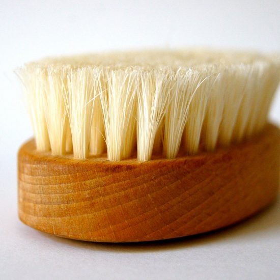 Dry Brush - Benefits of Dry Brushing for Busy Moms